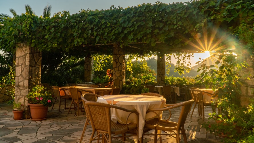 Outdoor Ideas that add Value to Your Restaurant